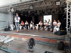 Lançamento do livro no palco principal da 40ª Feira do Livro de Alegrete/RS.
