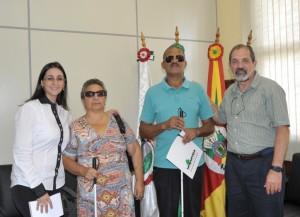 Coordenadora do Nina, Mônica Caumo; Elisabeth Dinegri; o presidente da ADVMB, Paulo Moreira, e o reitor da Unipampa, professor Marco Hansen - Foto: Franceli Couto/Unipampa