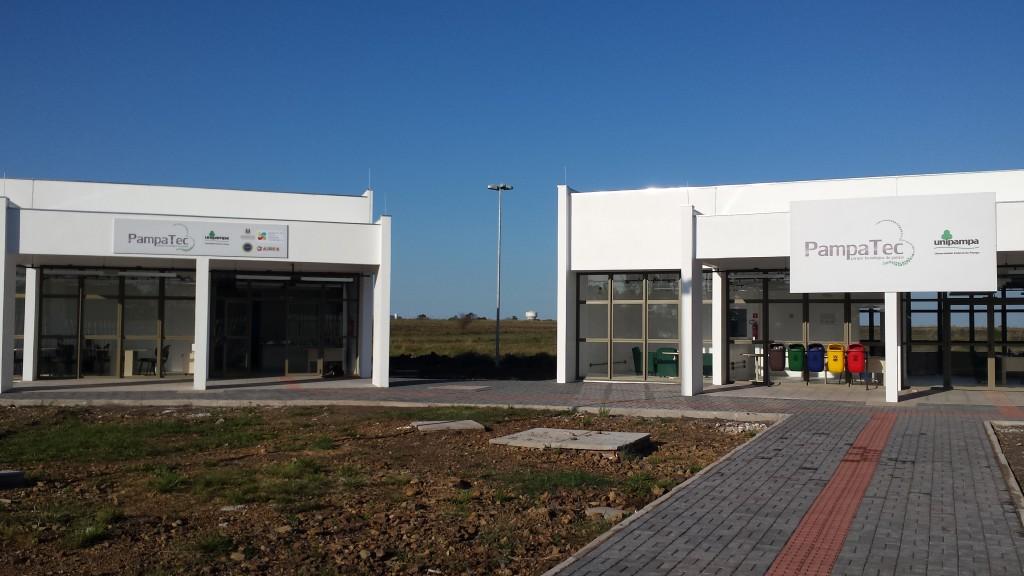fachada PampaTec