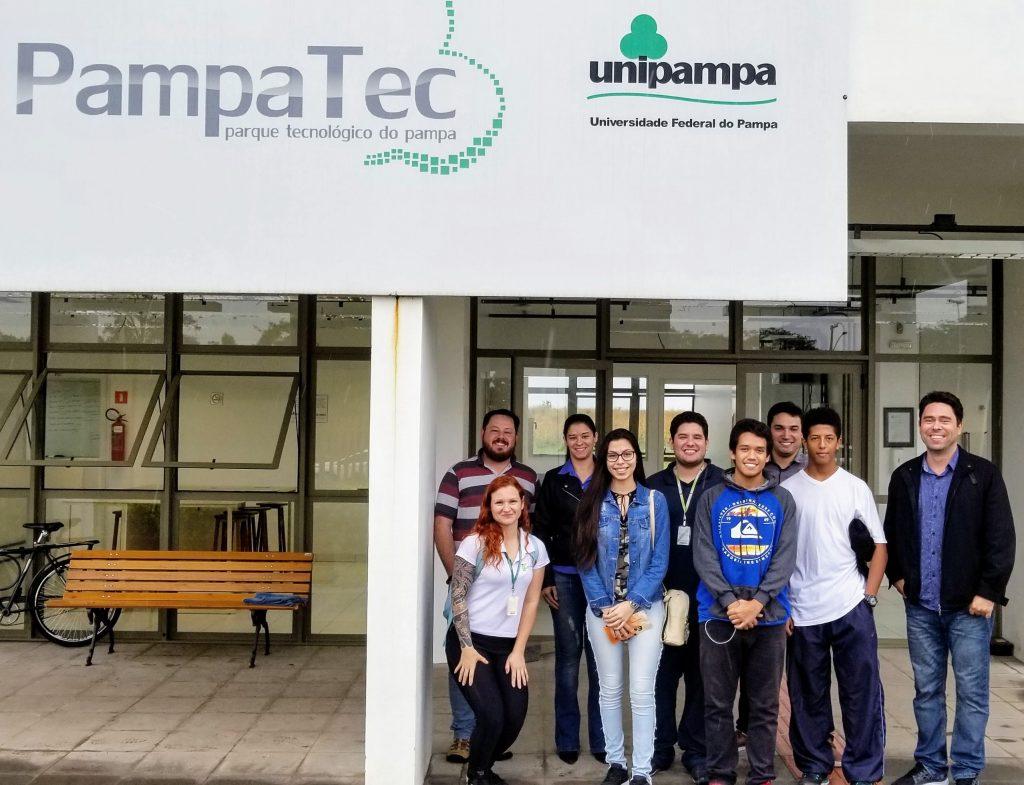 Visita de alunos e professores do I.F.Farroupilha
