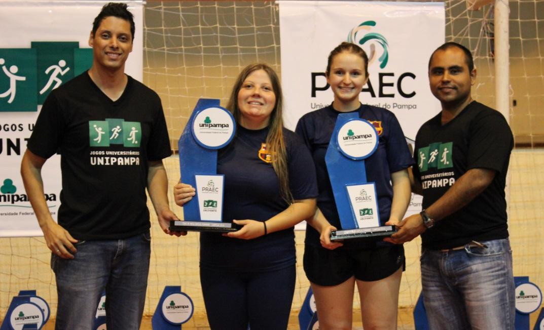 Tênis de mesa duplas feminino - campeãs - Denise e Julia - Campus Uruguaiana