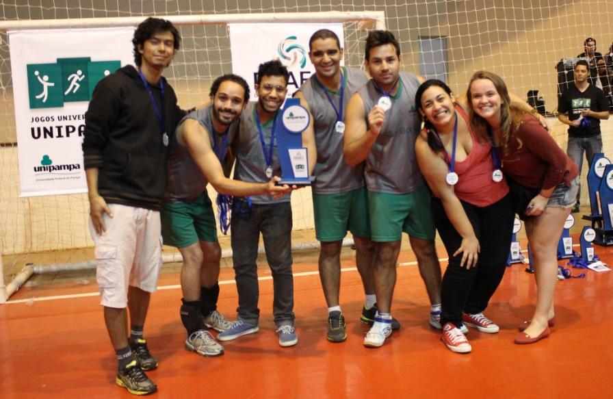 Voleibol masculino - vice-campeão - Campus São Borja