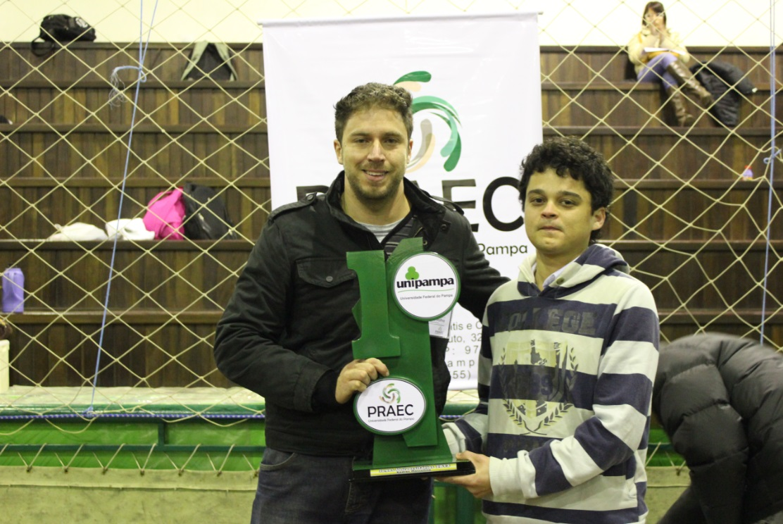 Xadrez masculino - Campeão - Eluid Lins da Silva Neto - Campus Caçapava do Sul