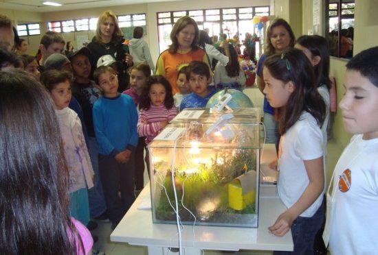 Escolas apresentam trabalhos em Feira de Ciências