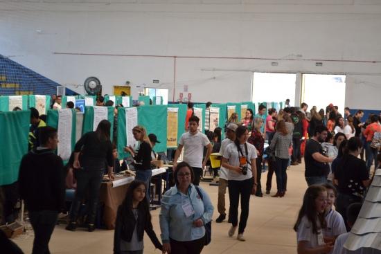 Feira de Ciências da Unipampa aconteceu no Ginásio Melão